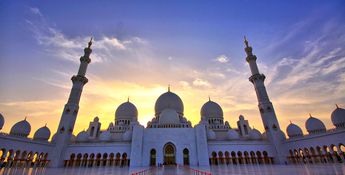 Download Islamic Images Free | Sheikh Zayed Grand Mosque in Abu Dhabi, UAE